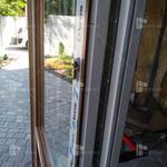 Регулировка, ремонт, обслуживание металлопластиковых окон и дверей.