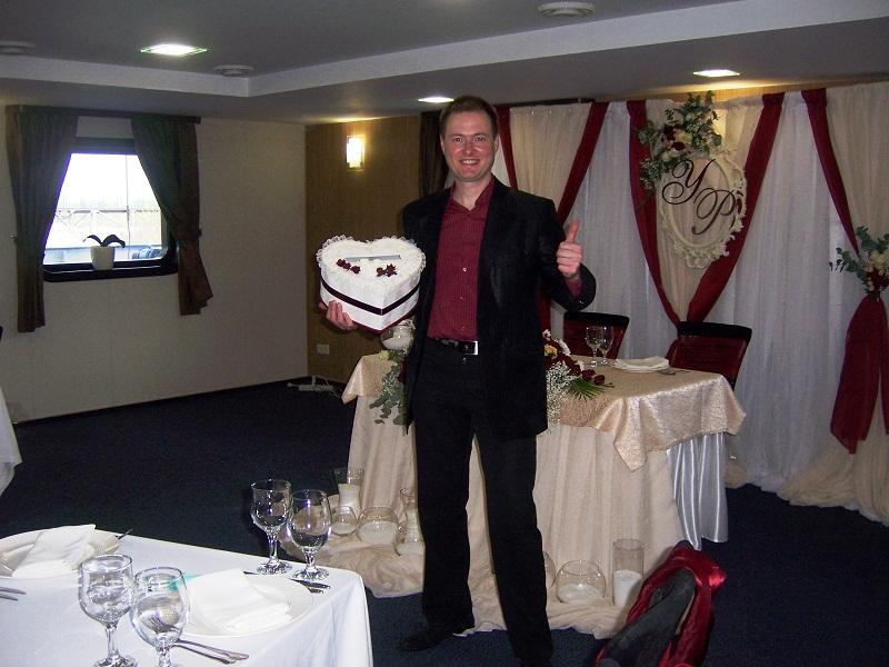 Фото Ведущий и диджей на европейской свадьбе (украинско-итальянская). Весело, красиво, интересно. Два конкурса и некоторые тосты на английском языке.