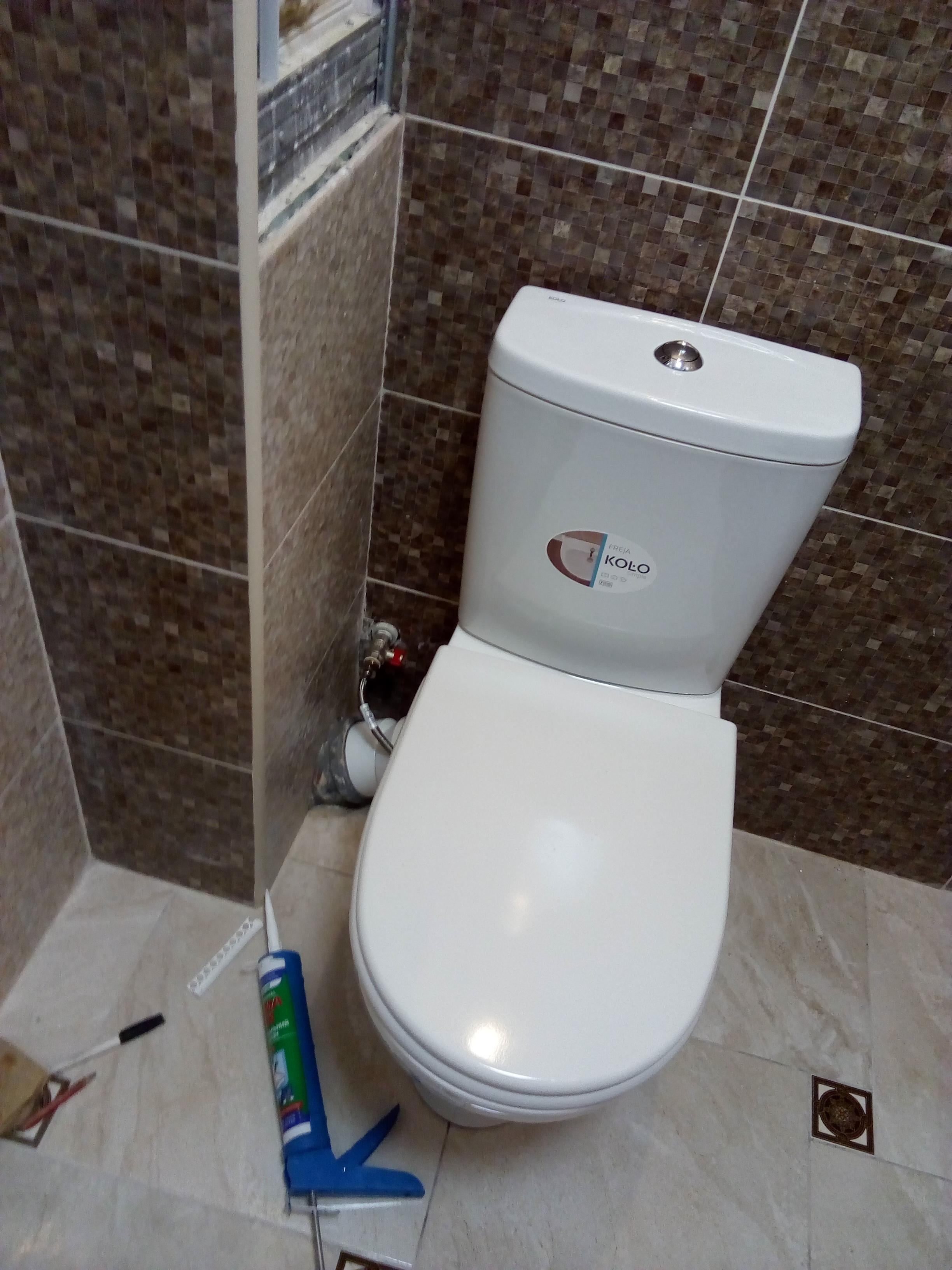 Фото Монтаж унитаза с подгонкой канализации и подводкой воды и заменой крана  3 часа От 450 грн