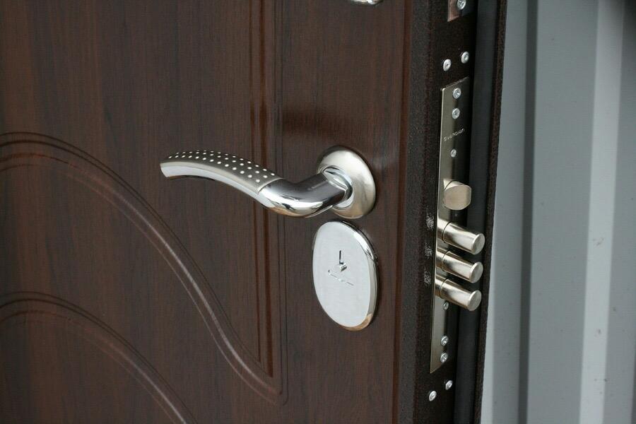 Фото Изготовления ремонт дверей  3