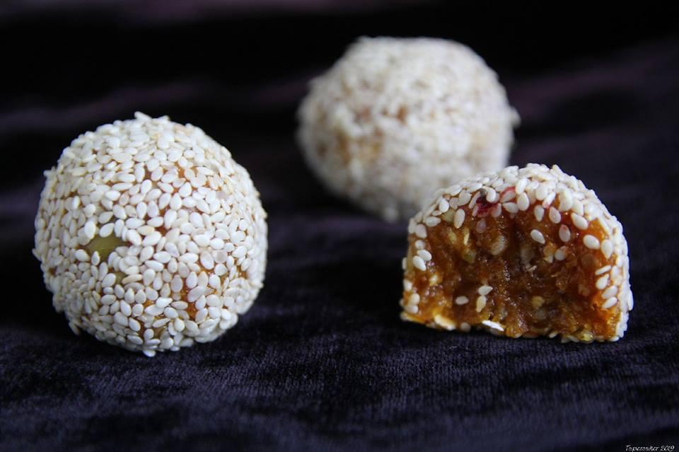 Фото НаСЛАЖдабельные raw вкусняшки ( авторские  живые конфеты) 2
