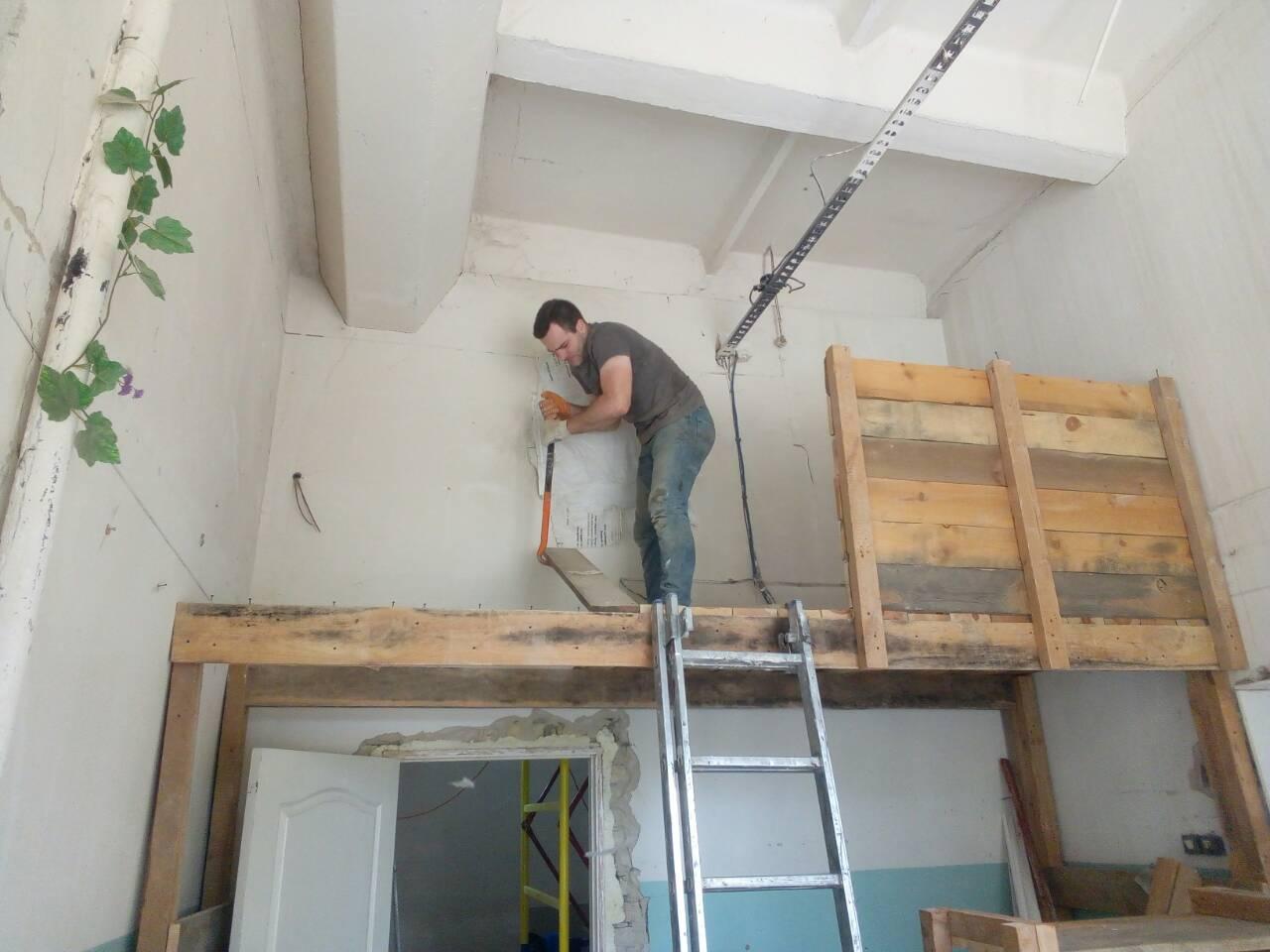 Фото Демонтаж деревянных конструкций и антресолей