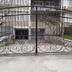 Кованые заборы, ворота.