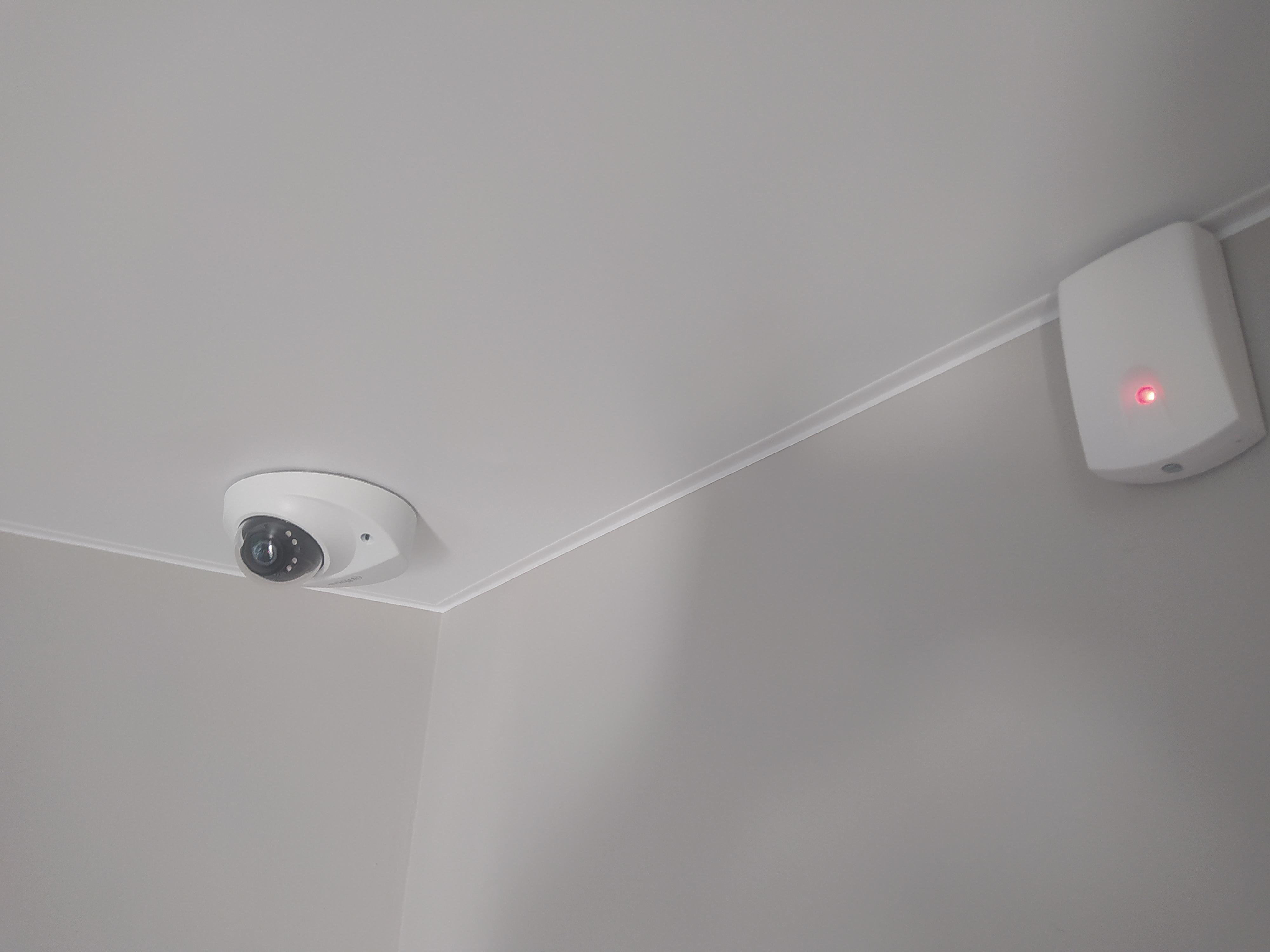 Фото Монтаж камеры видеонаблюдения с возможностью отключения камеры пультом, без выключения регистратора