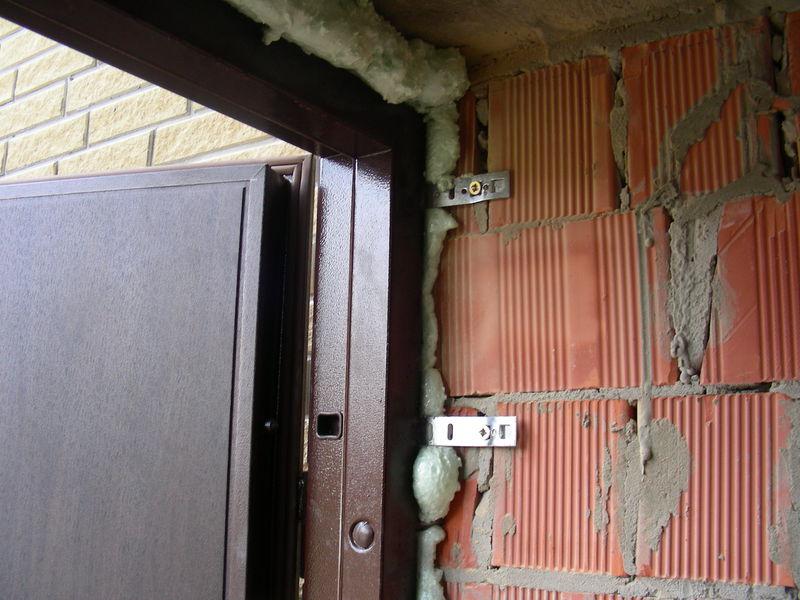 Фото Установка железной двери