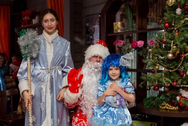 Фото Дед Мороз и Снегурочка 1