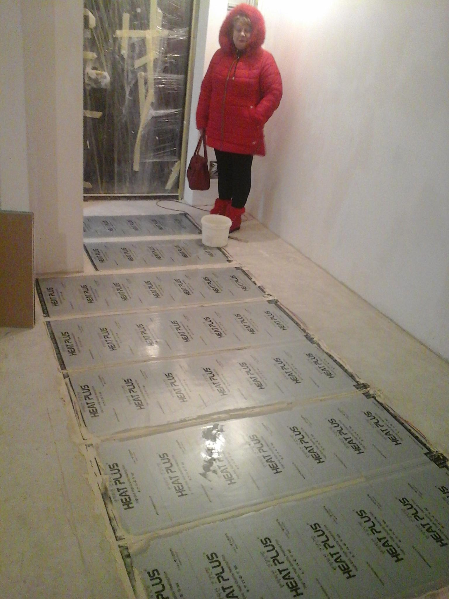 Фото Установка инфракрасного пленочного теплого пола  г. Киев ул. Метрологическая 11, коридор.