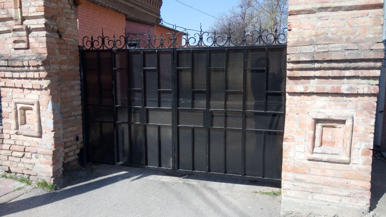Фото Полностью готовые автоматические ворота во двор