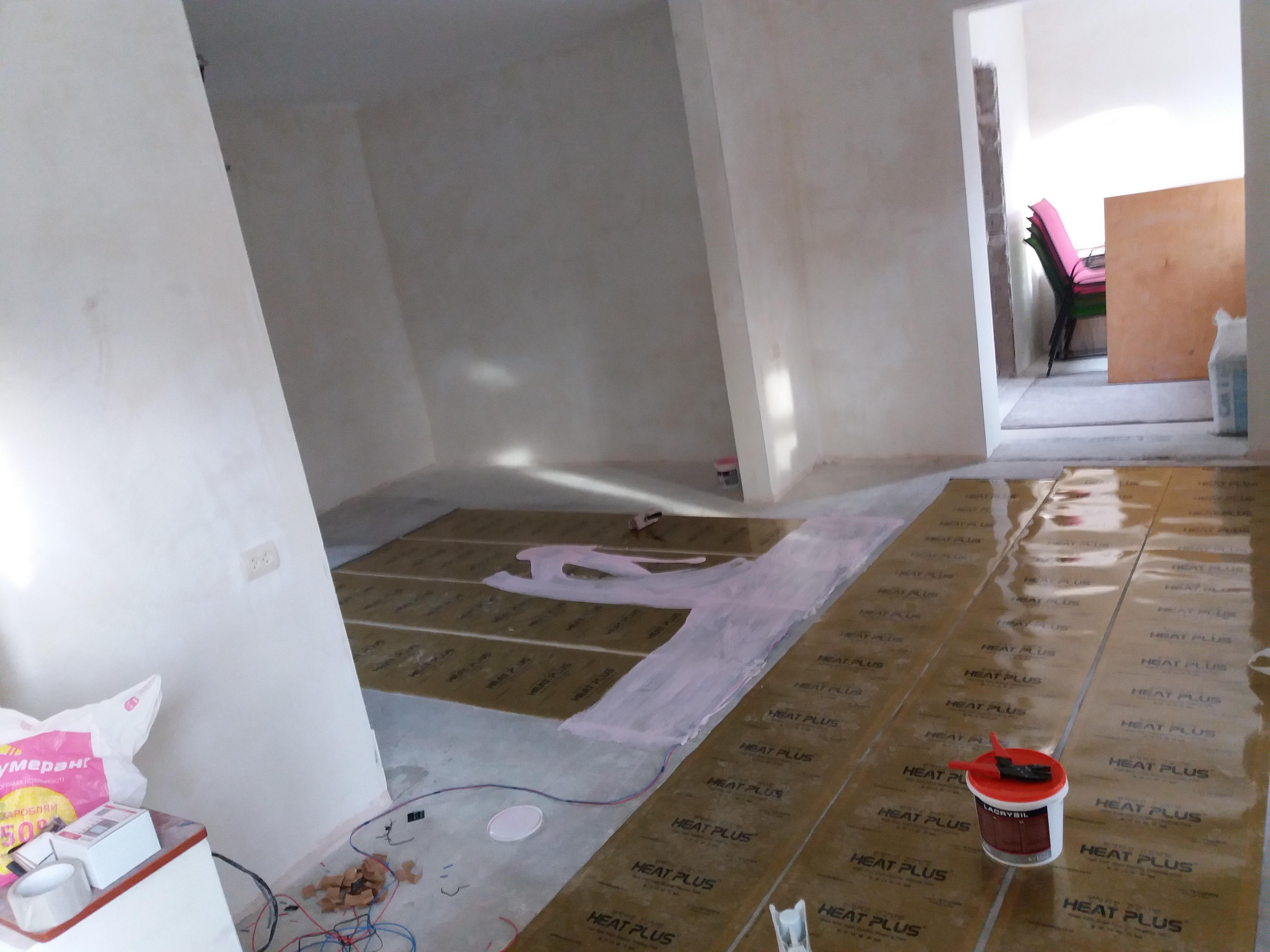 Фото Установка пленочного теплого пола под плитку с. Процев, часный дом, как основное отопление. Установка 19,8м2 один день