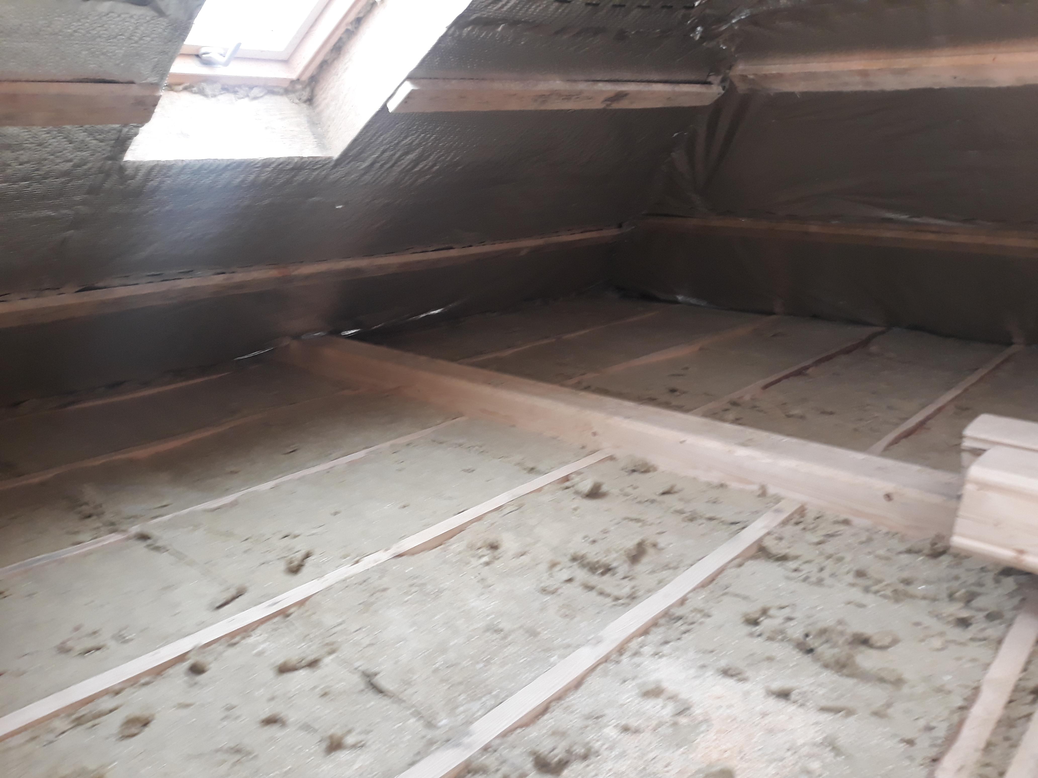 Фото Утеплення деревяного перекриття мінеральною ватою