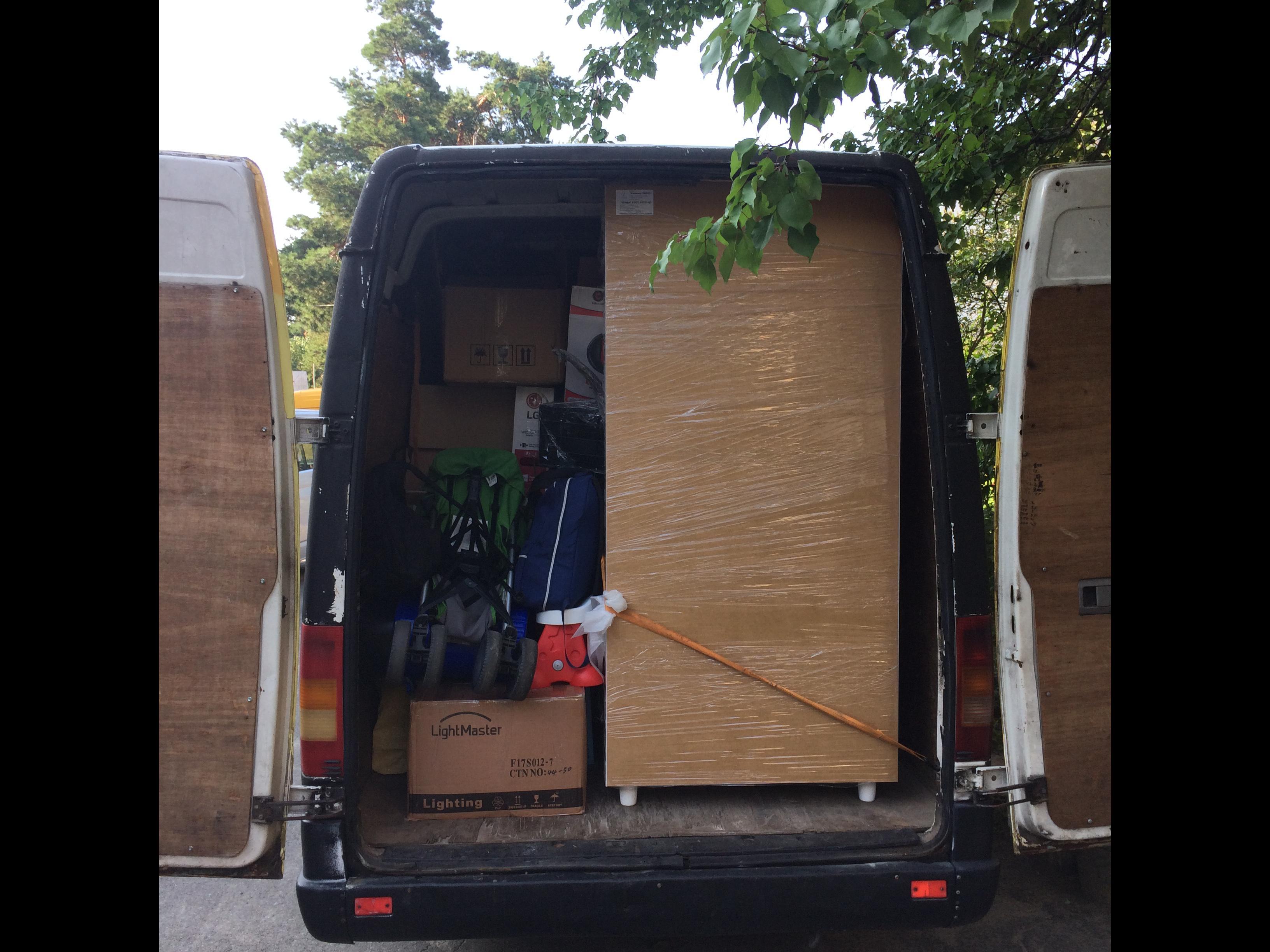 Фото Переезд 3-х комнатной квартиры (Спринтер) По желанию - вещи упаковываем (стрейч плёнка/коробки)
