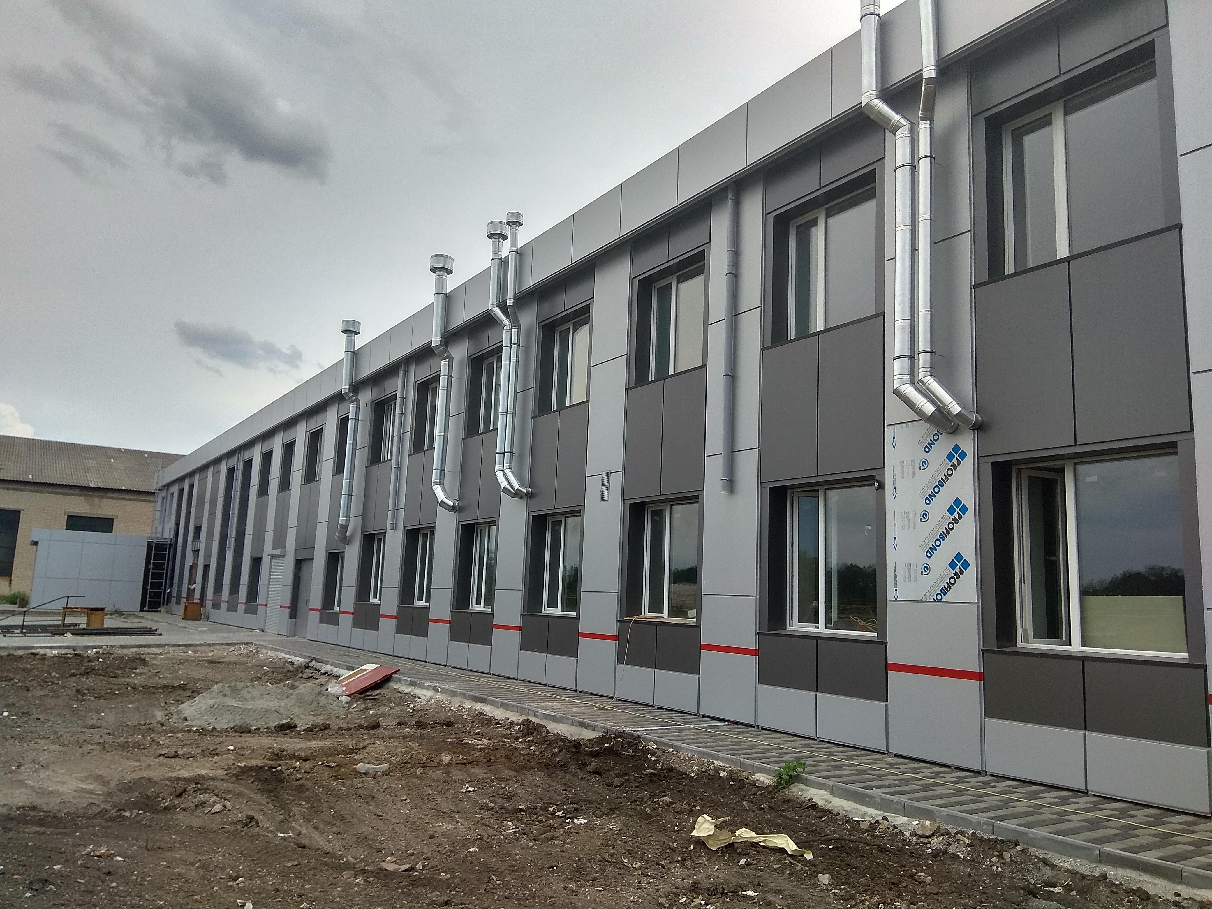 Фото Утепление минватой, и монтаж вентилируемого фасада здания из композитного материала.  ~4месяца