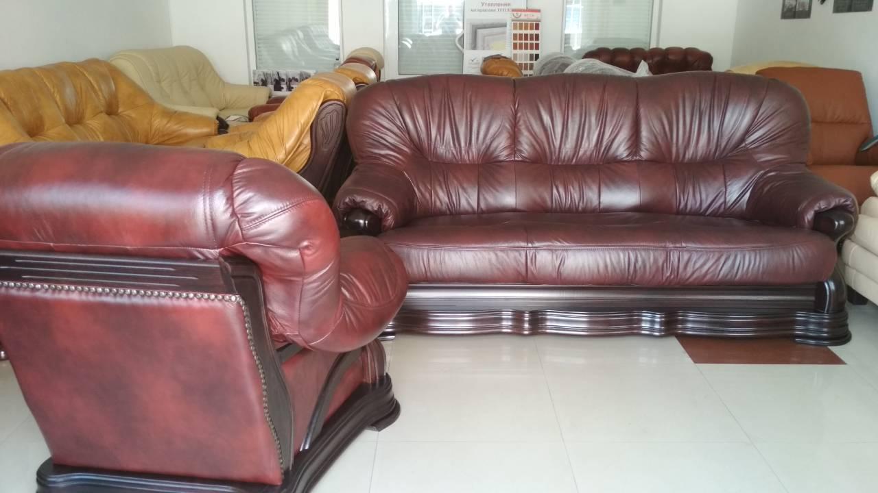 Фото Комплект кожаной мебели диван и два кресла  1