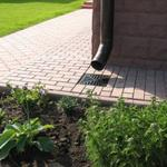 Укладка тротуарной плитки-фэм-брусчатка цена-стоимост,частный дом двор