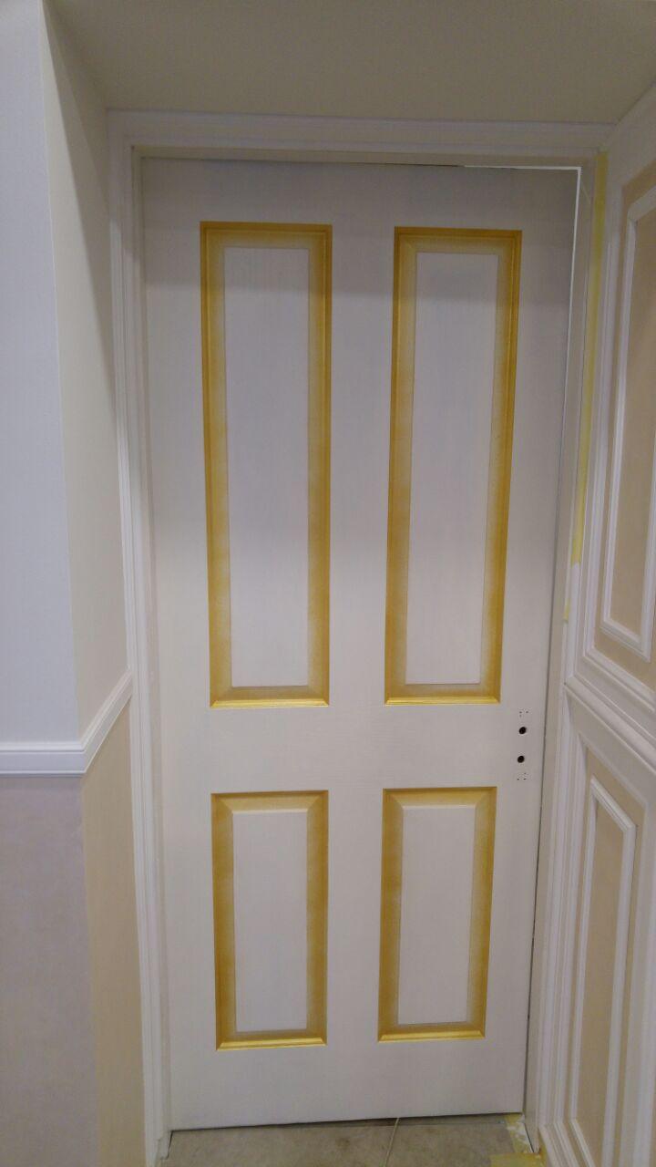 Фото Реставрация старых дверей в салоне красоты