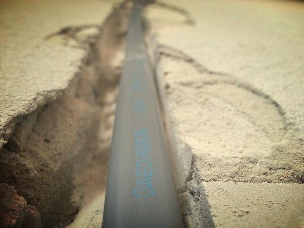 Фото укладка провода в штробе