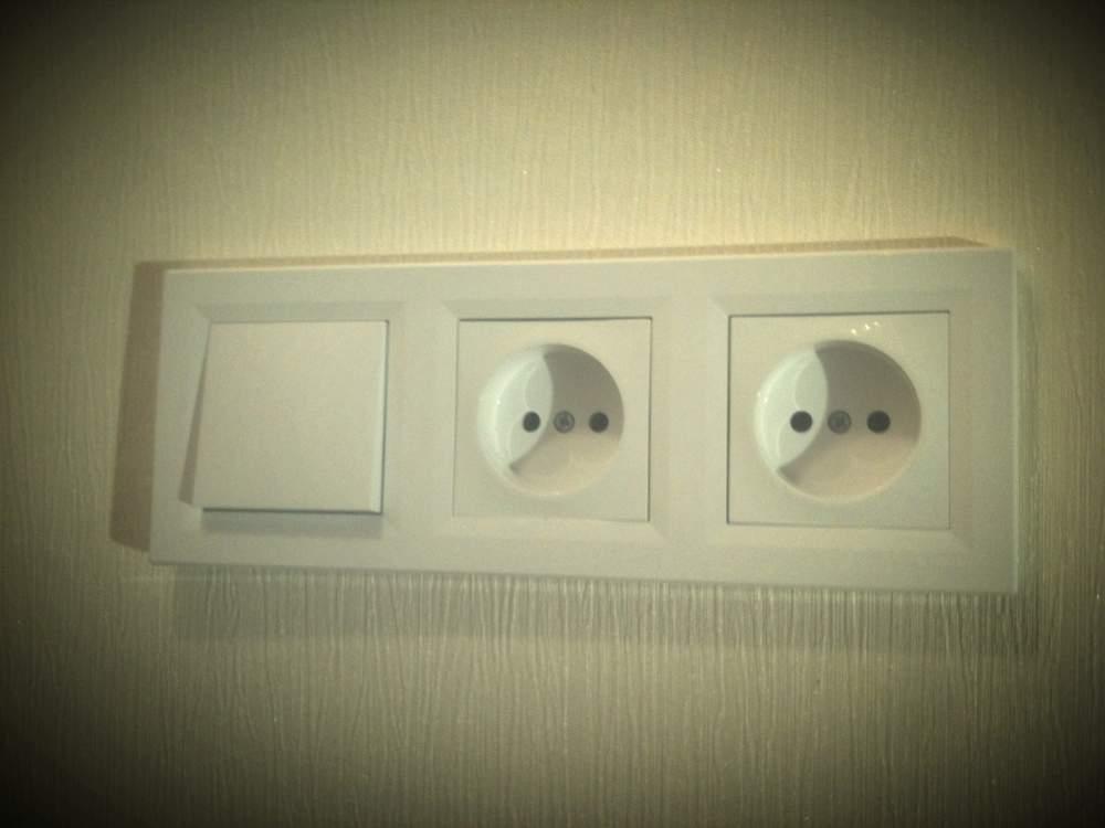 Фото установка розеток и выключателей