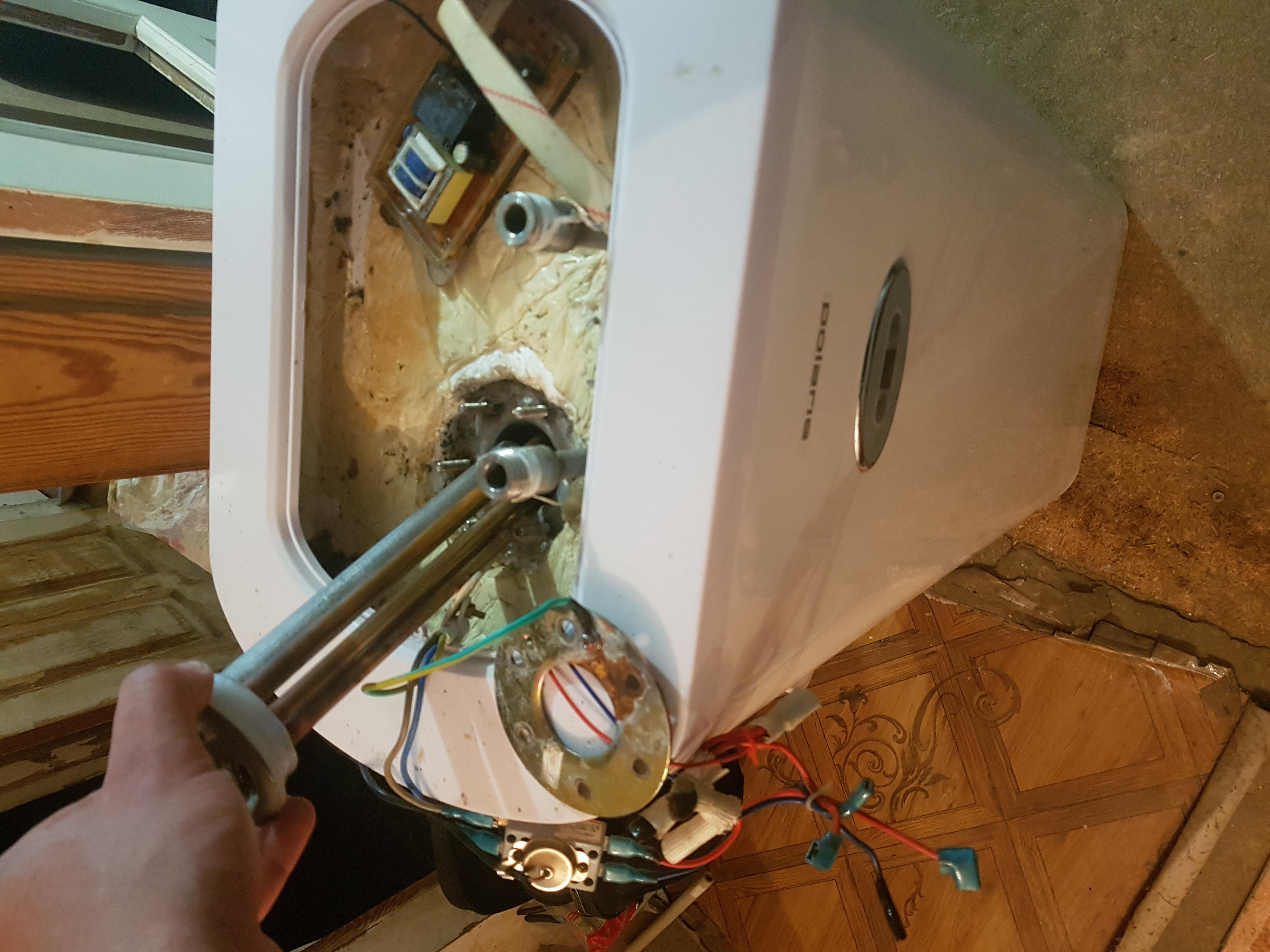 Фото Чистка с заменой нагревательного элемента и магниевого анода