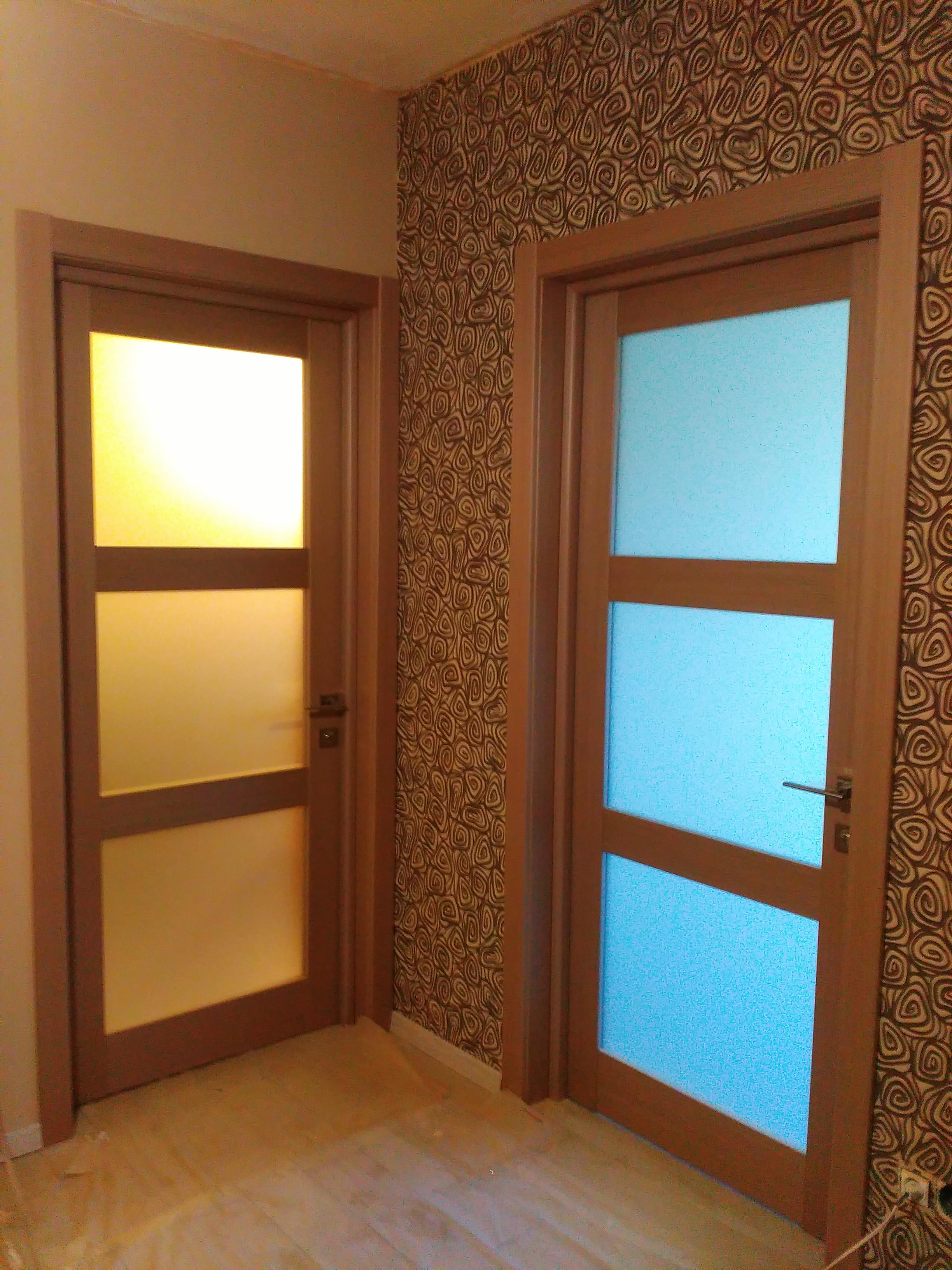 Фото 5 межкомнатных дверей со скрытыми петлями