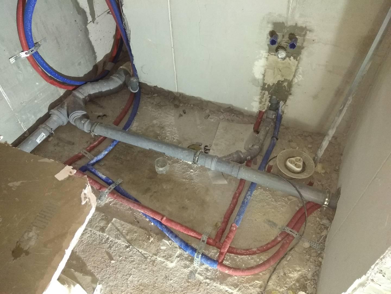 Фото Разводка канализации и водоснабжения в квартире