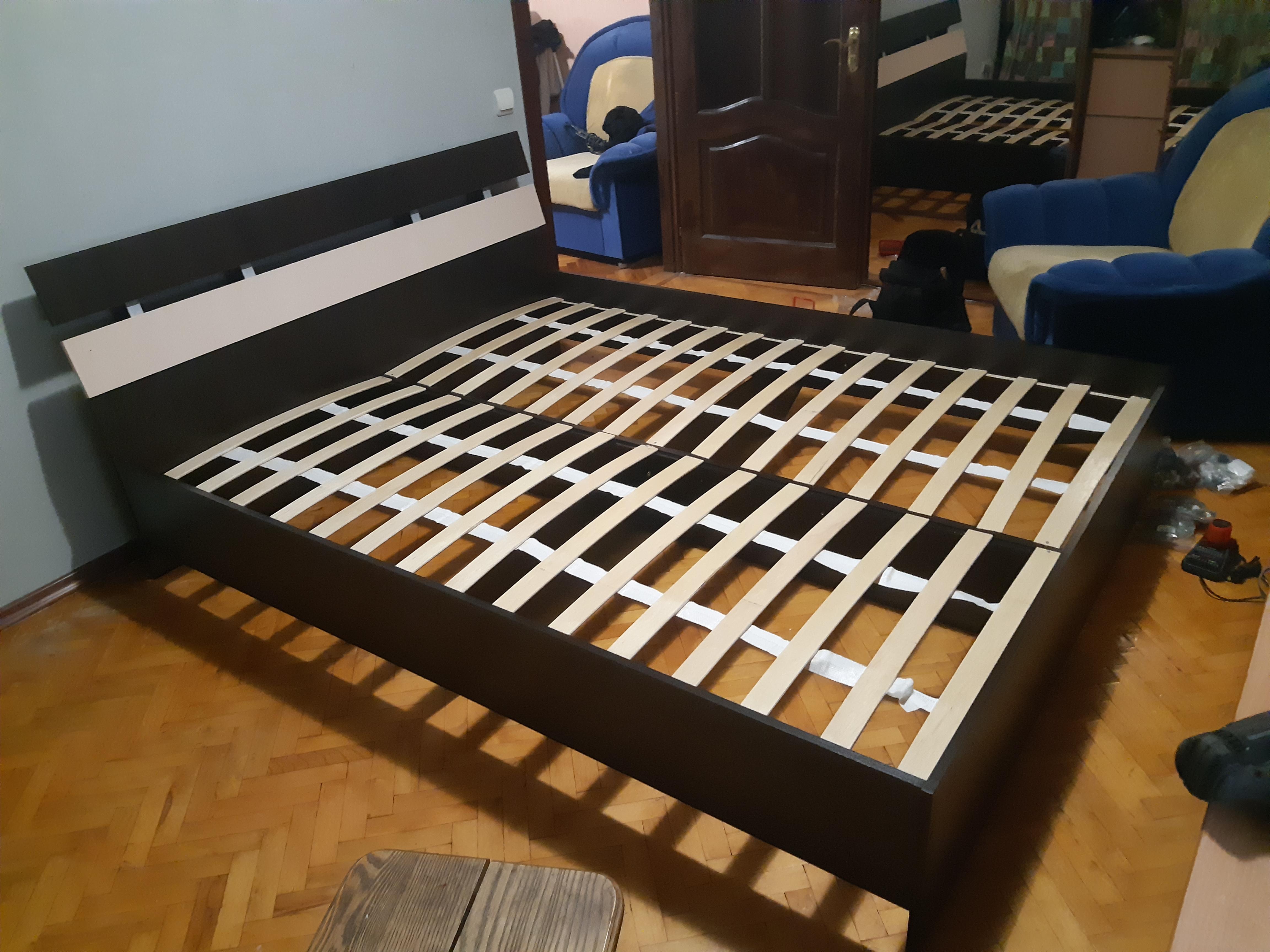 Фото 600 грн-кровать двухспальная