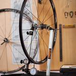 Сборка и центровка велосипедных колес по тензометру. Ремонт велосипеда