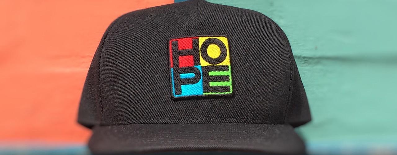 Фото Машинная вышивка на кепках, шапках, панамах 2