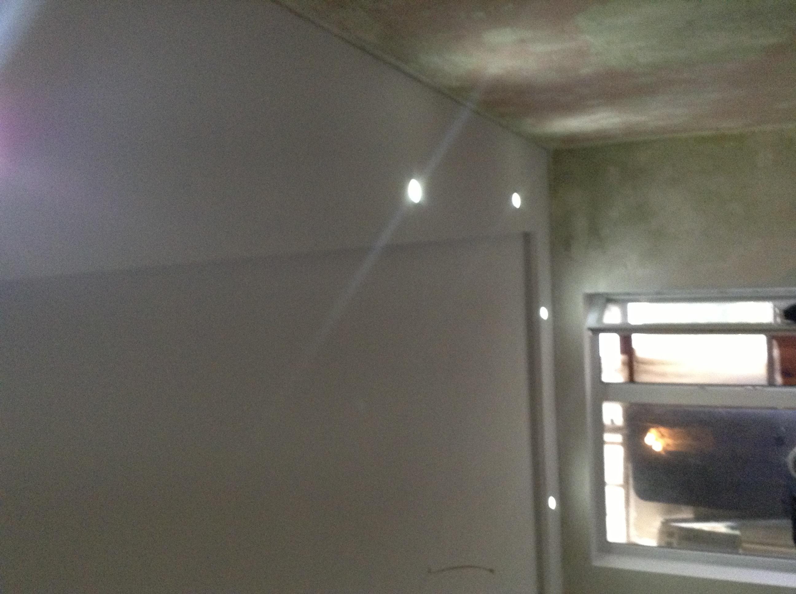 Фото Установка точечных светильников