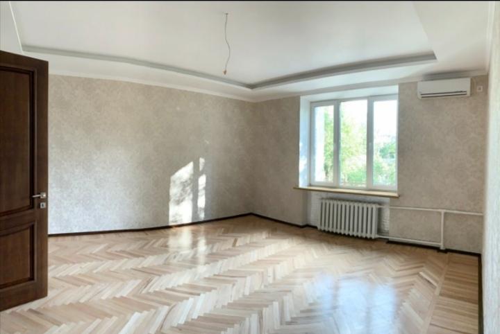 Фото Выравнивание стен, шпаклёвка стен и потолков, покраска, поклейка, откосы, покраска труб и батарей
