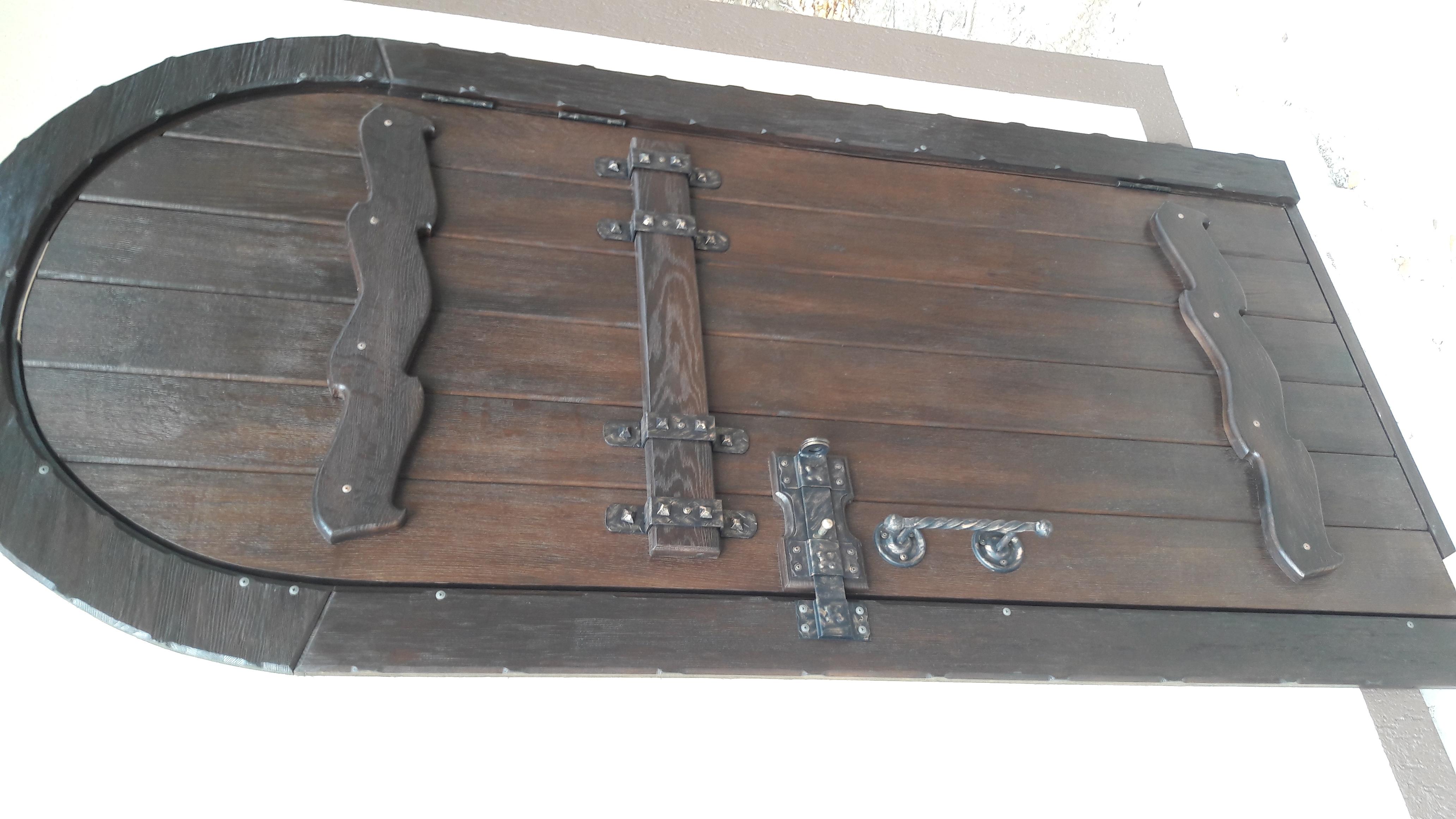 Фото Изготовление и монтаж дверей под старину.