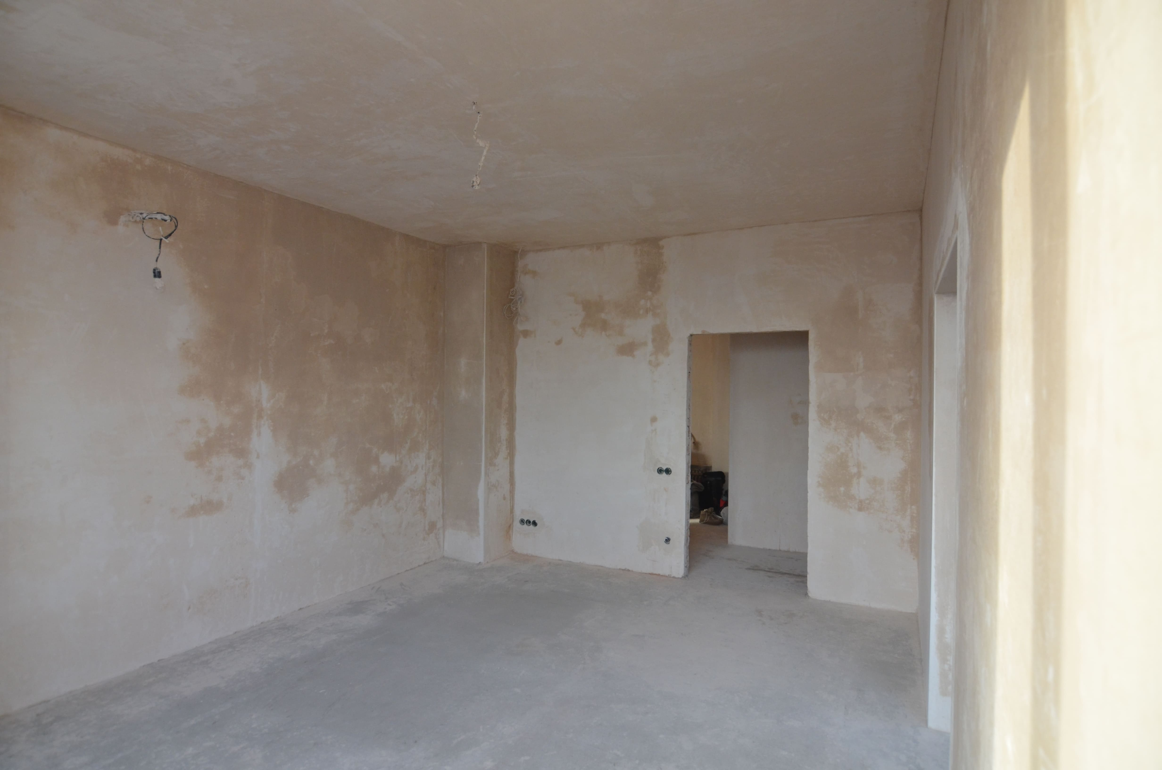 Фото Машинная штукатурка стен на 220вт в квартире Материал Кнауф МП-75