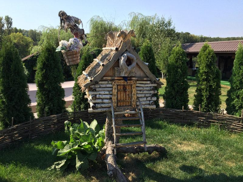 """Фото Изготовление мебели и декора из дерева для ресторан- отеля """"Джерело"""""""