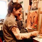 Викладач з творчості у дітей та дорослих (живопис, графіка, батік)