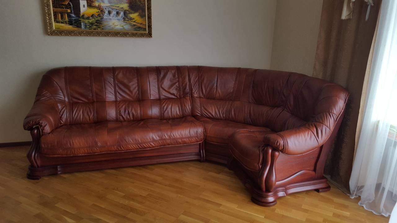Фото Комплект кожаной мебели диван и два кресла  2