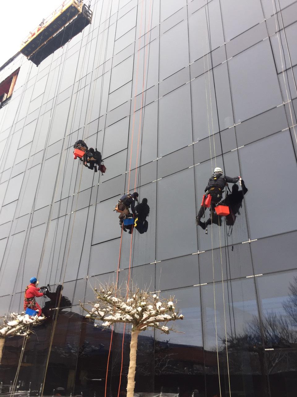 Фото Миття вікон, фасада 1