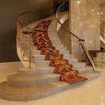 Лестницы и ступени из мрамора. Акция.