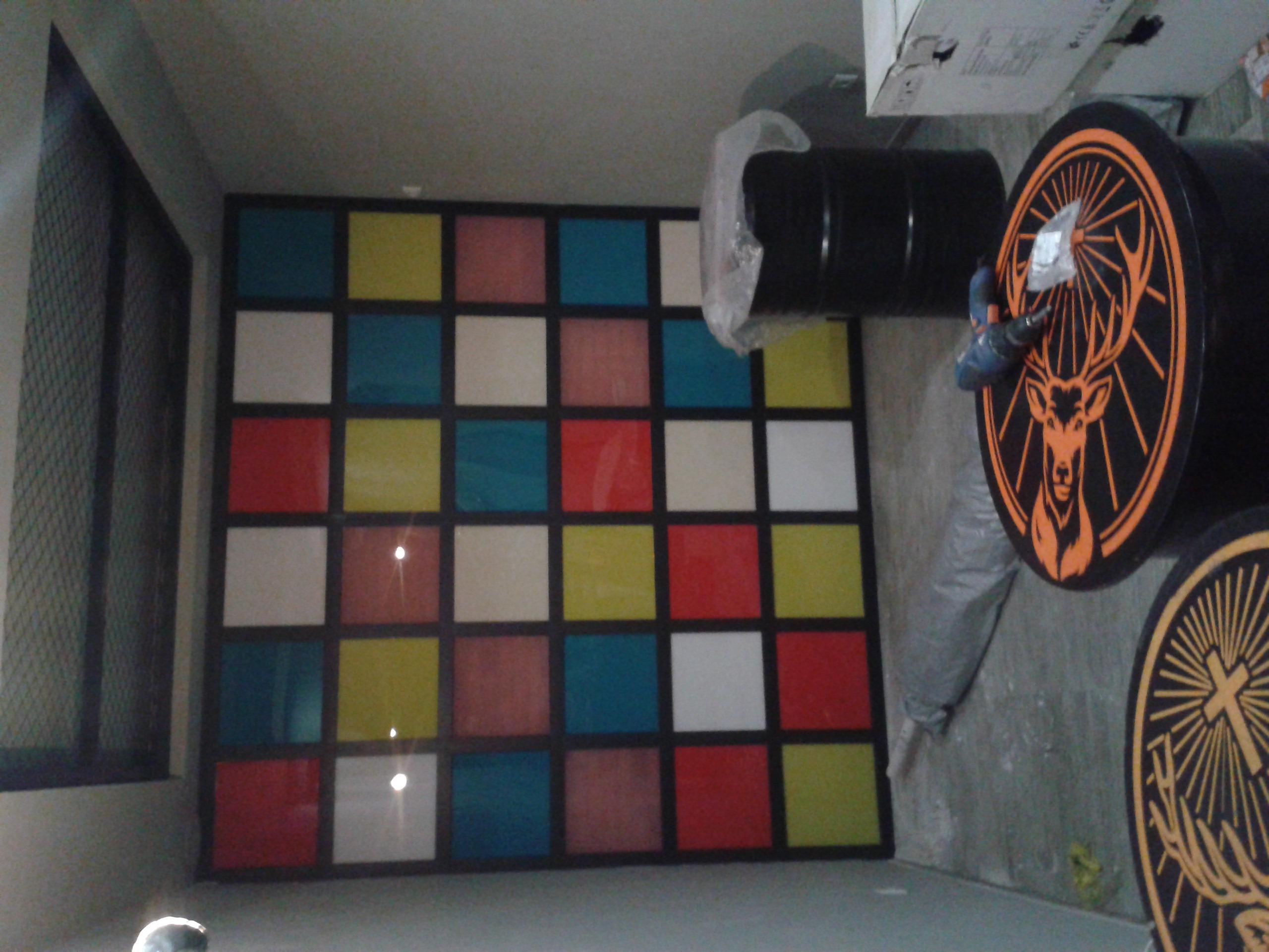 Фото Декор стена светится под музыку. Изготовлена с евро проф трубы 60-20. и цветного пластика. стоимость изделия без подсветки. от  2000 грн 1 кв. метр