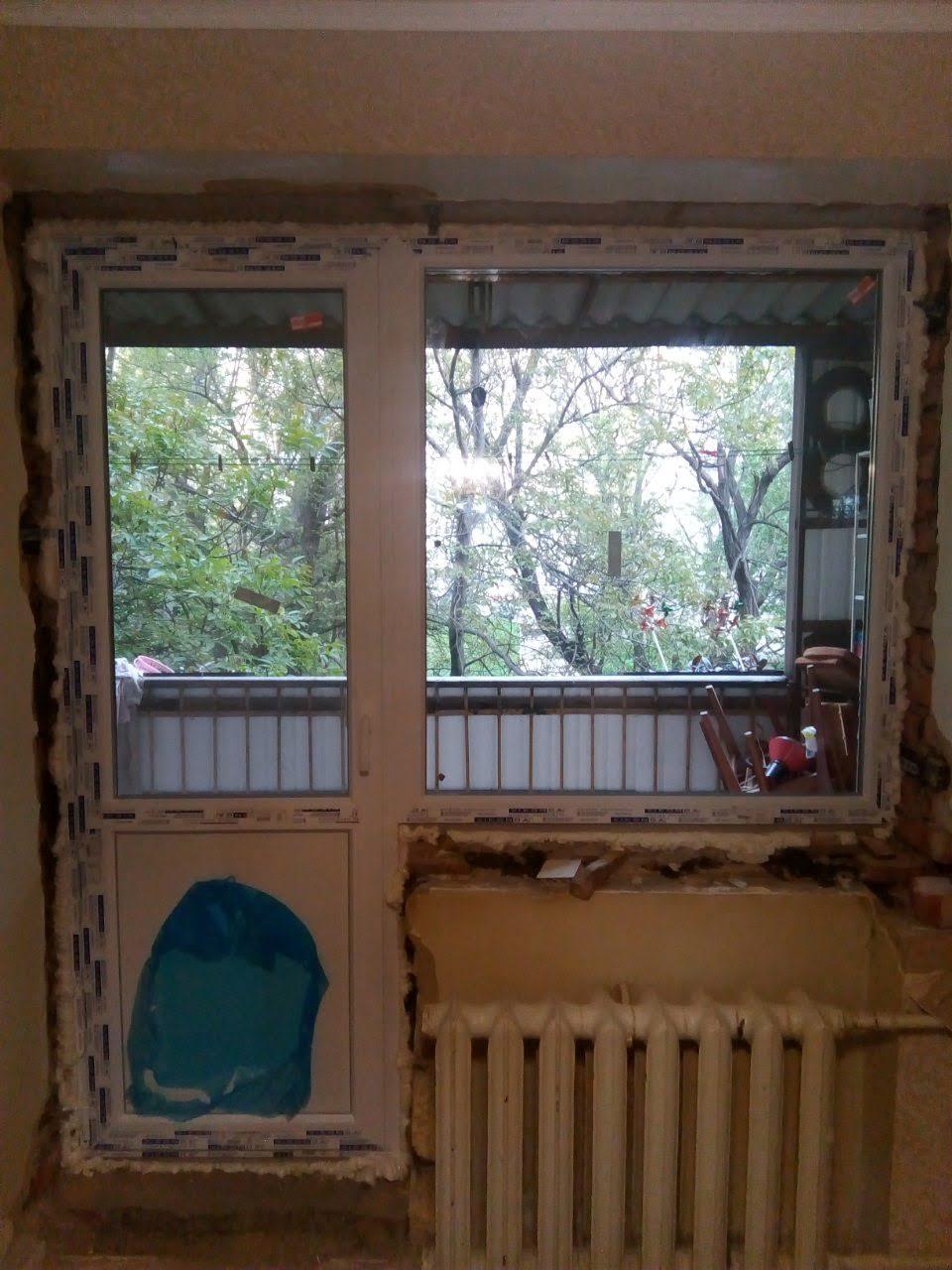 Фото Откосы с пластика. Установил подоконники 2 шт,один внутри .второй на балконе,и сделал порог с ламината и установил пластиковые откосы.Работа заняла весь день.