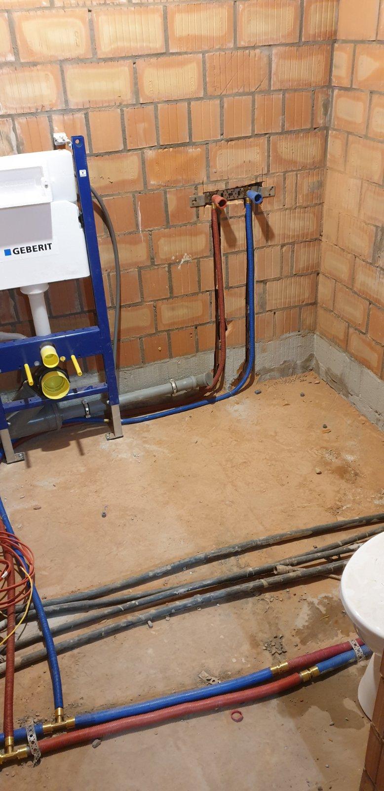 Фото Монтаж водопровода в квартире