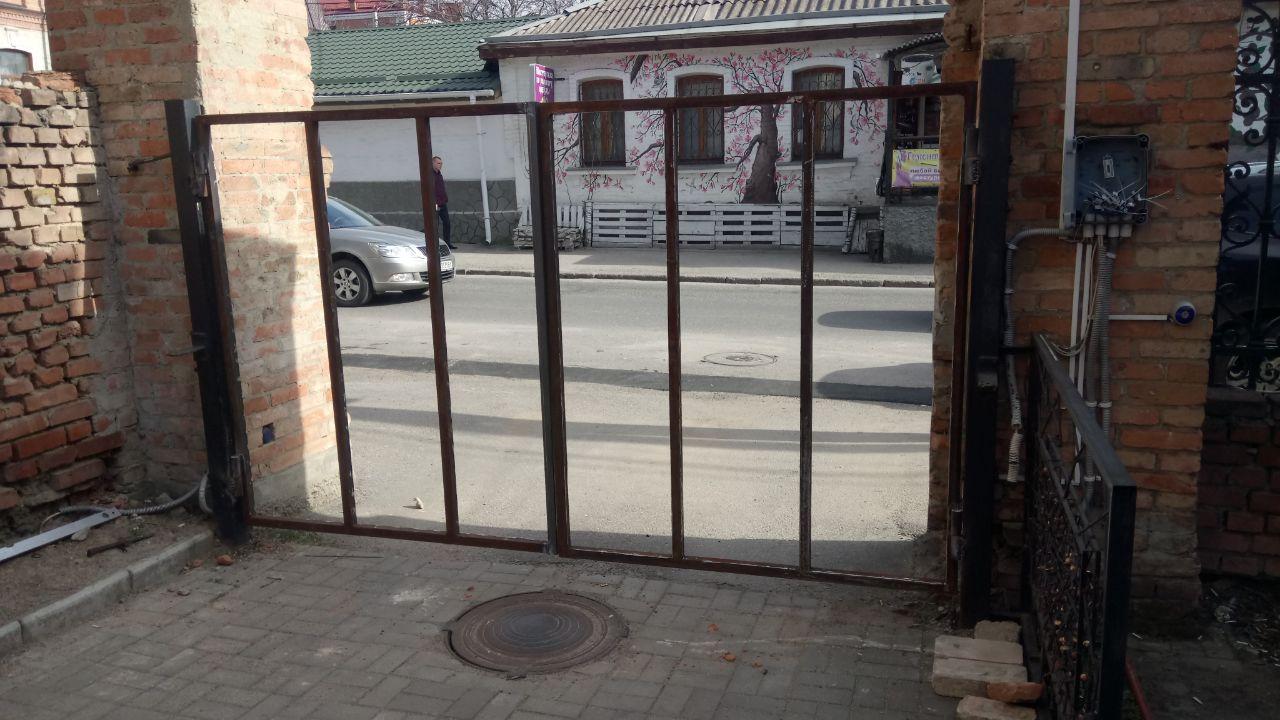 Фото Автоматические распашных ворота во двор