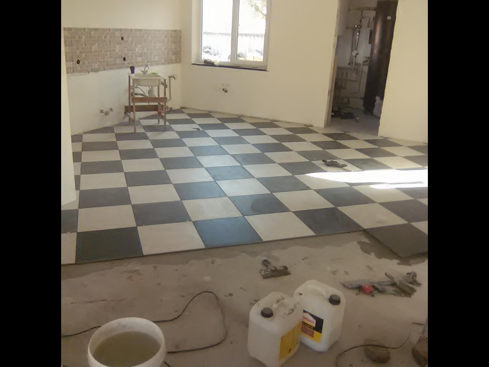 Фото Диагональная укладка плитки, до 100 м.кв.
