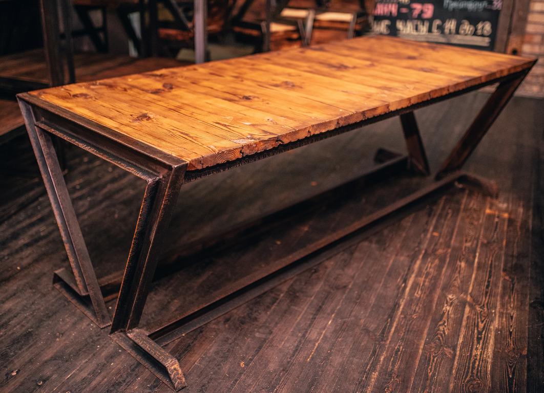 Фото производство стола для ресторана. 2 дня