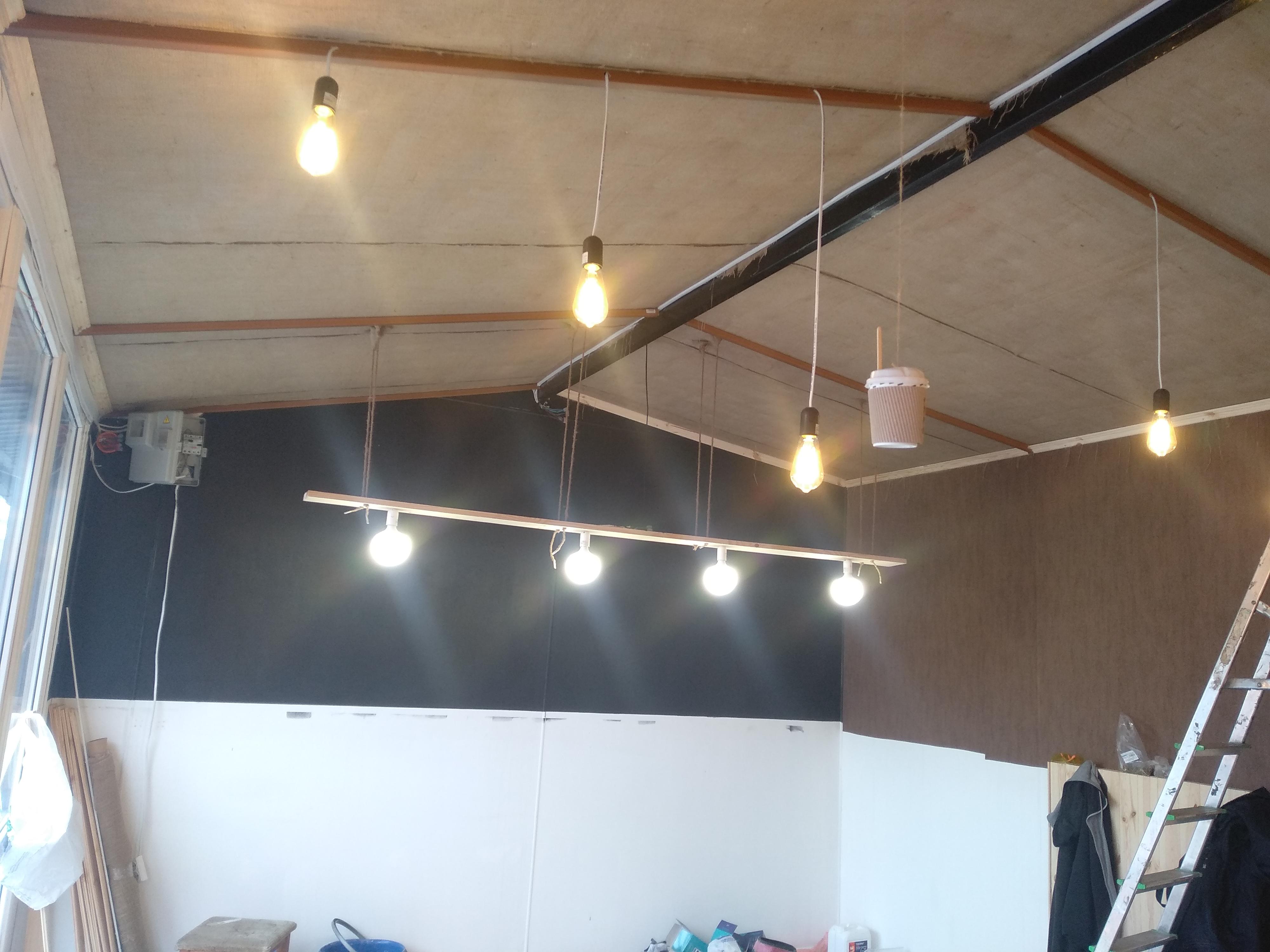 Фото Обшив потолка , бар стойка ,кафешка