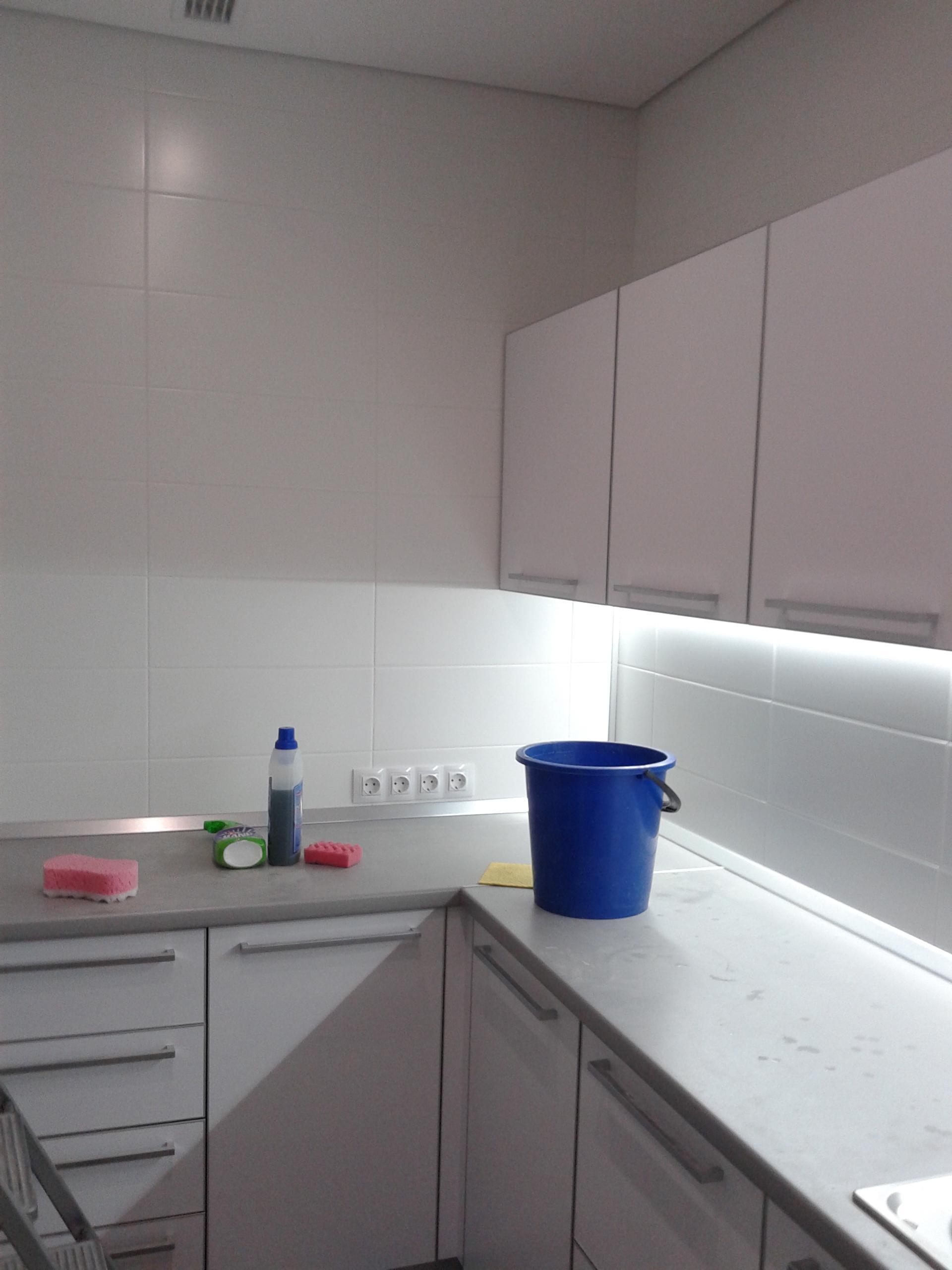 Фото Помыть окна, мебель, кафель на полу и на стенах, сантехника,165 кв.м.