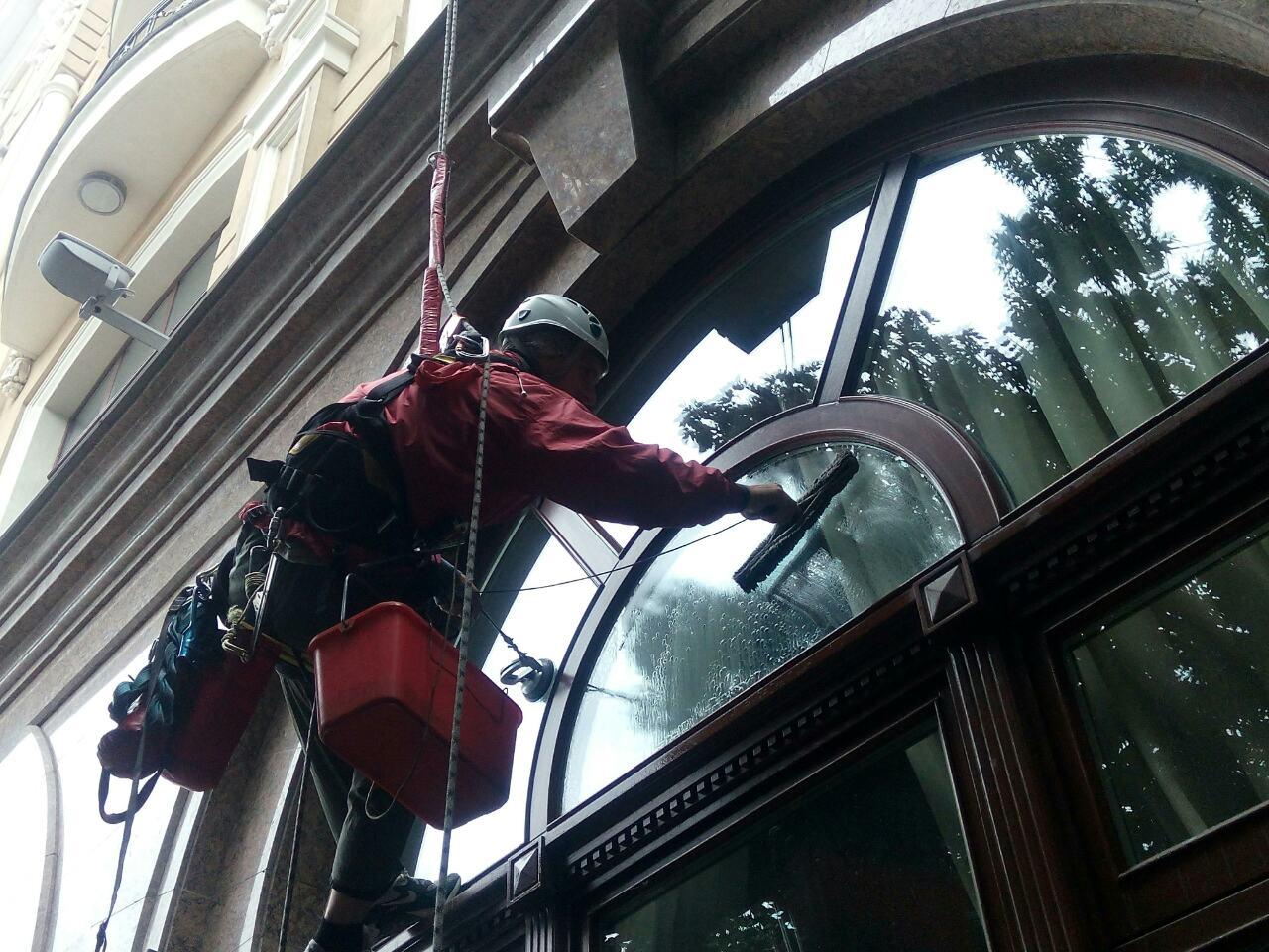 Фото Миття вікон, фасада 3