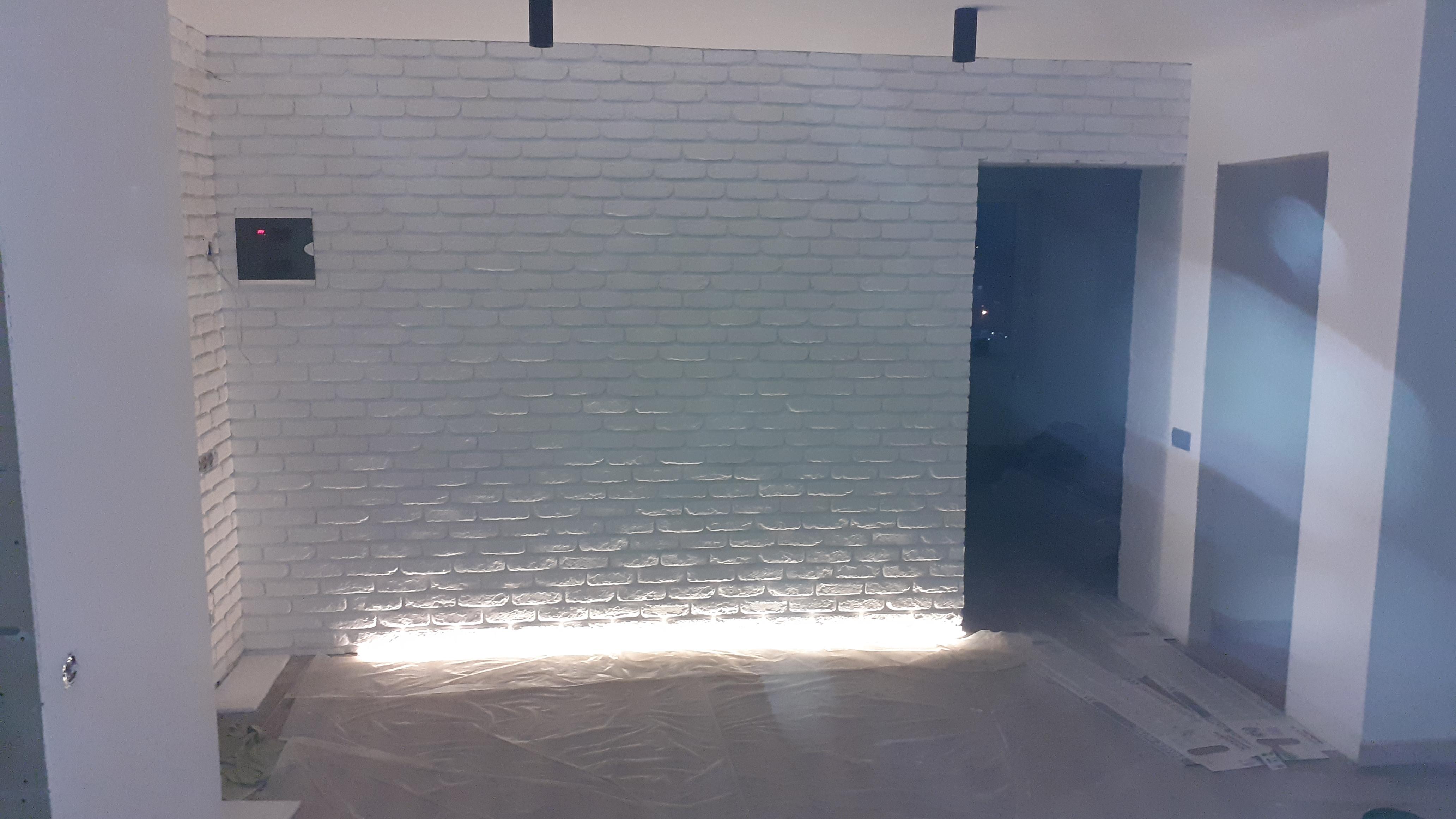 Фото Укладка декоративного камня(кирпичика),подсветка.