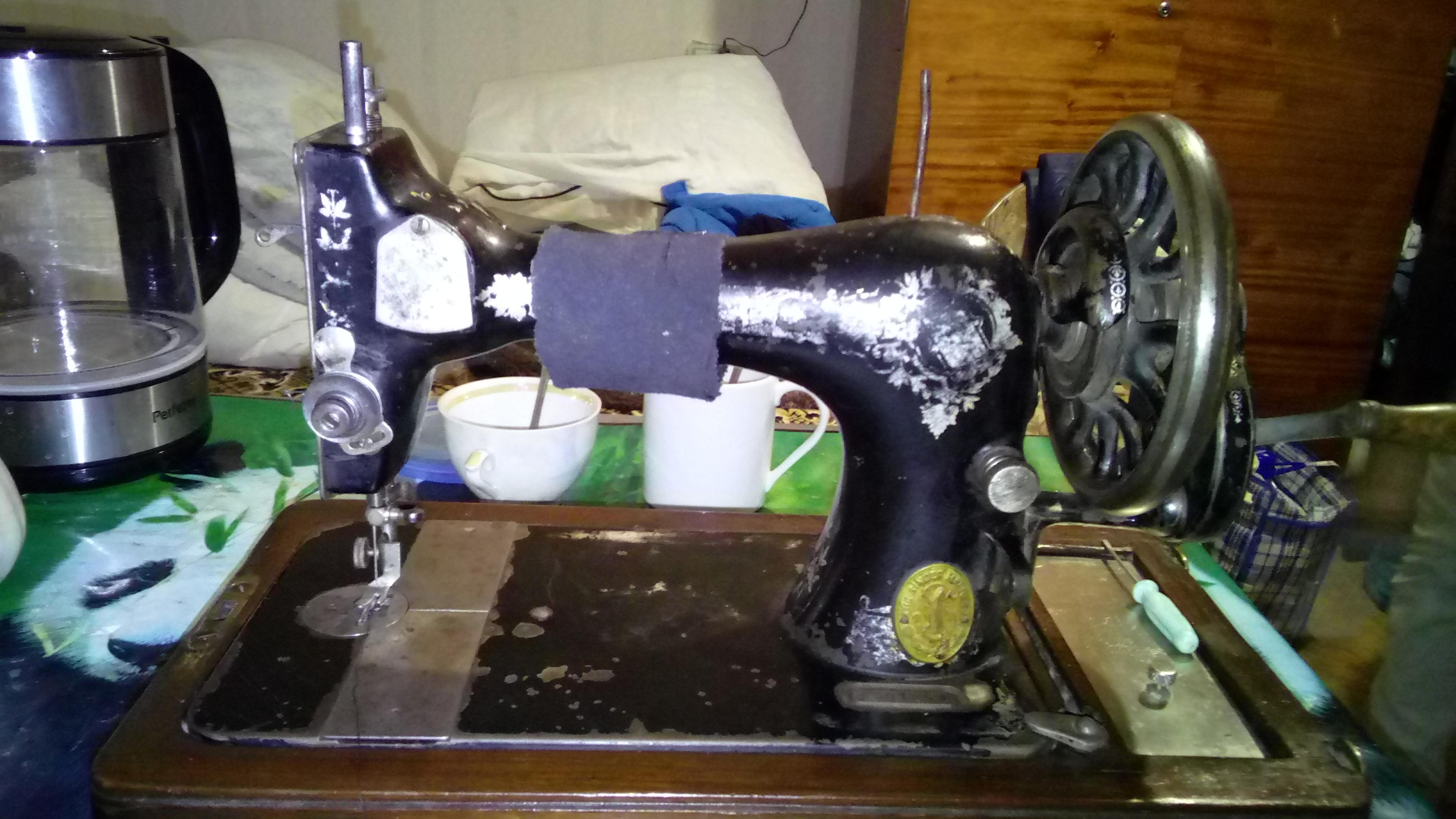 Фото Я выполнил ремонт швейной машины Зингер. Устранил неисправности челнока, регулятора натяжения верхней нити, моталки, а также чистка и смазка машины. Потратил 2,5 часа