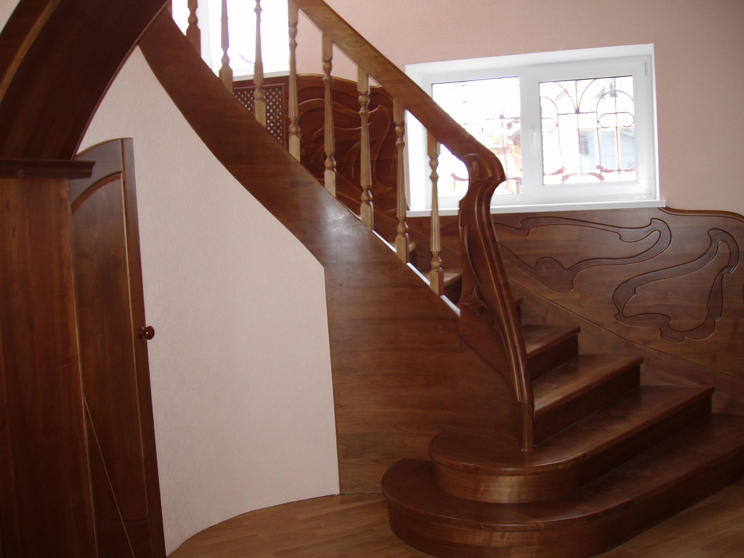 Фото Лестницы из дерева на заказ по индивидуальному проекту, фото работ !!! 3