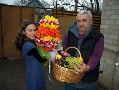 Фото Курьерская доставка цветов и подарков 1