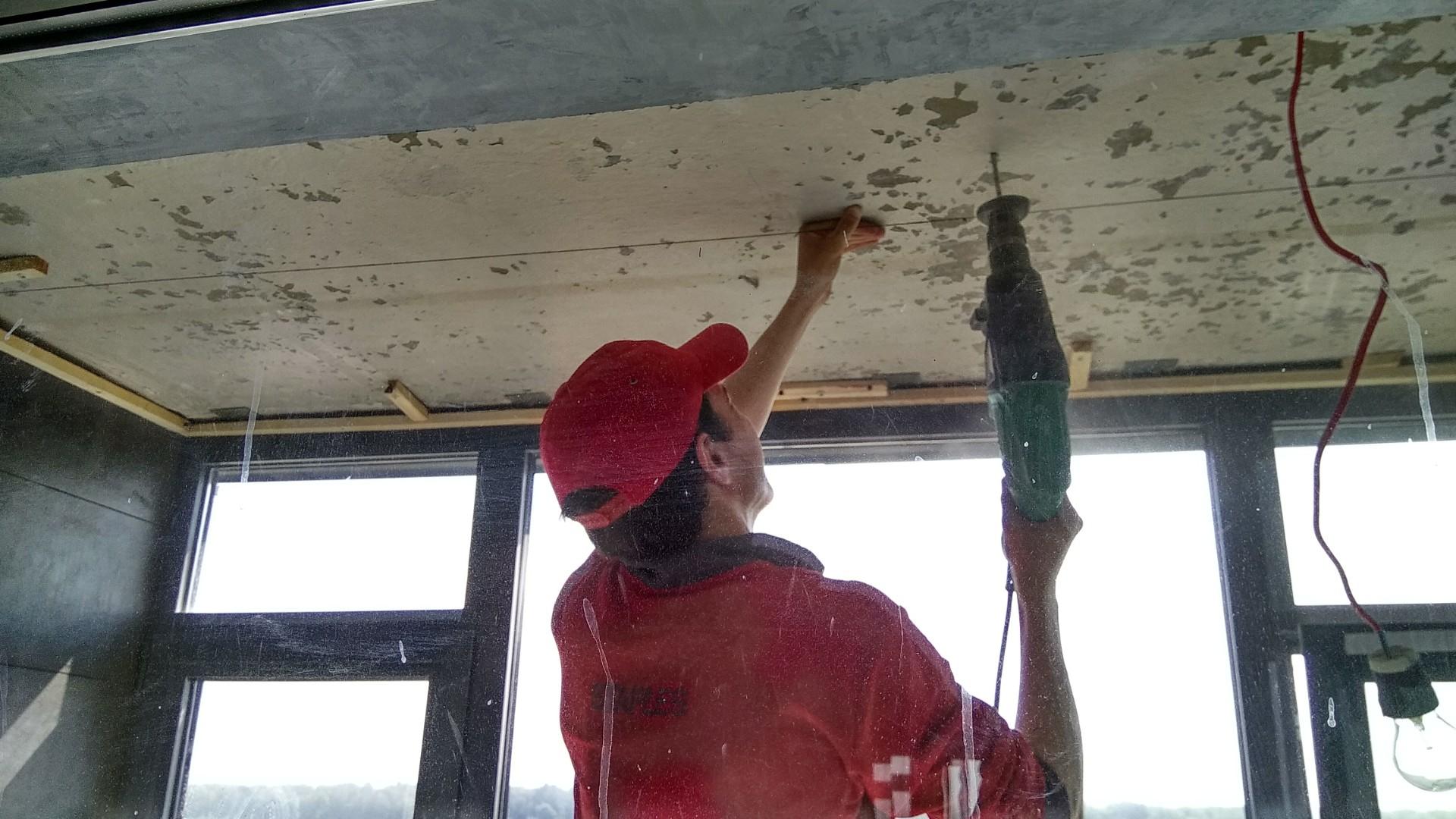 Фото Тканевый натяжной потолок на балконе